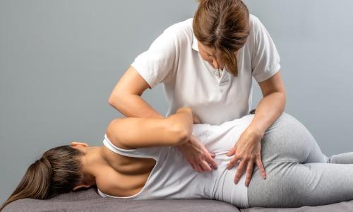 Rückenschmerzen: Formen, Ursachen und effektive Therapien