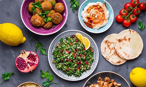 Essen auf verschiedene Teller oben