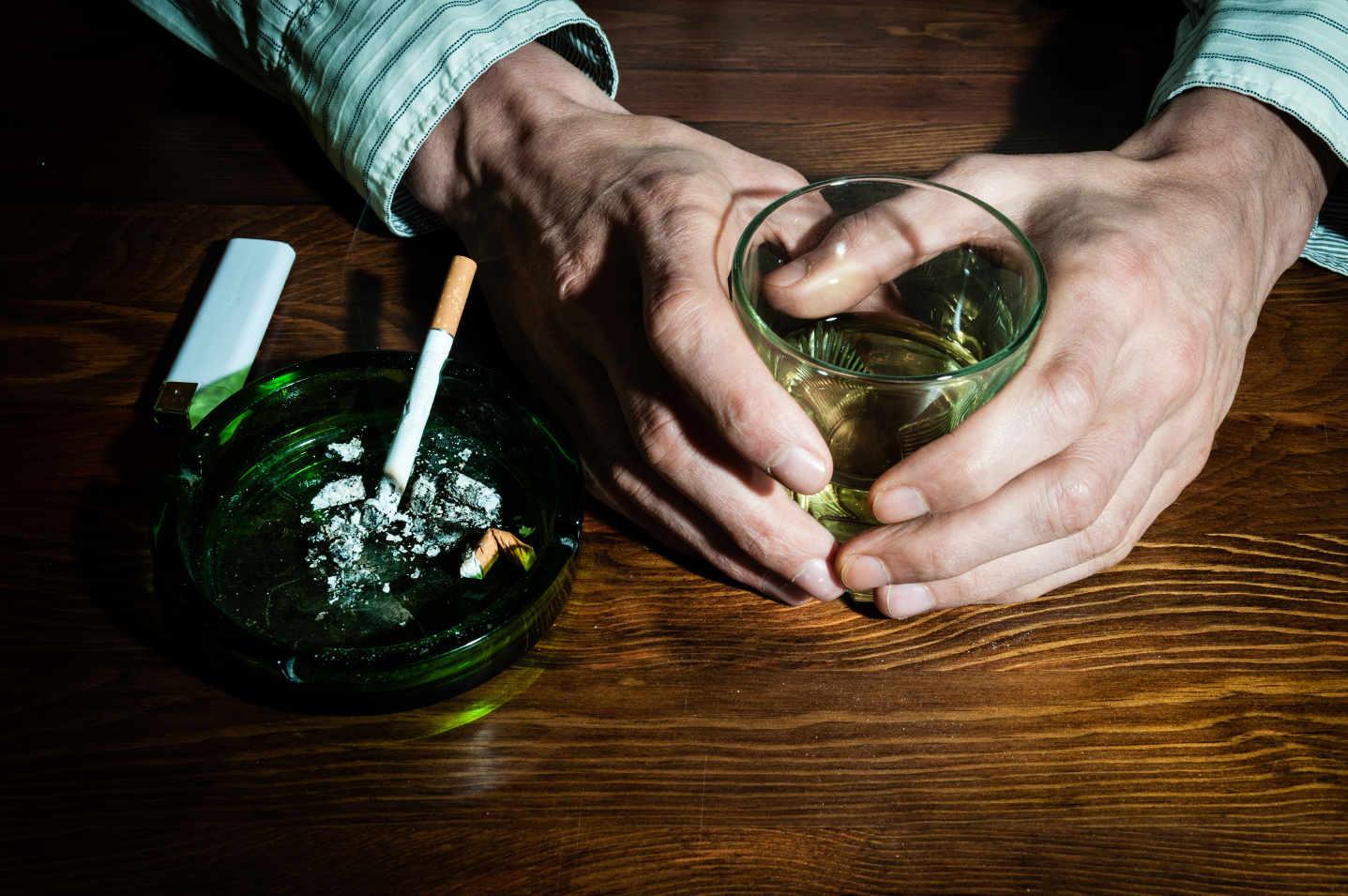 Die negativen Seiten des Alkohols (Alkoholsucht)