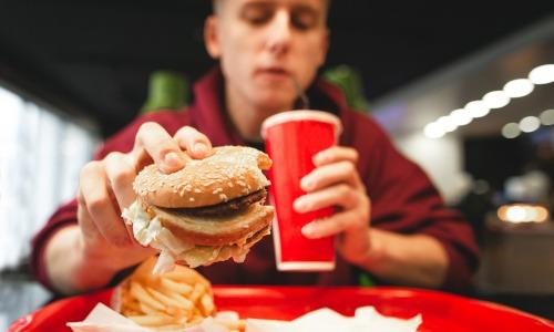 ungesunde Ernährung, falsche Ernährung Herzkrankheit Ernährungsumstellung