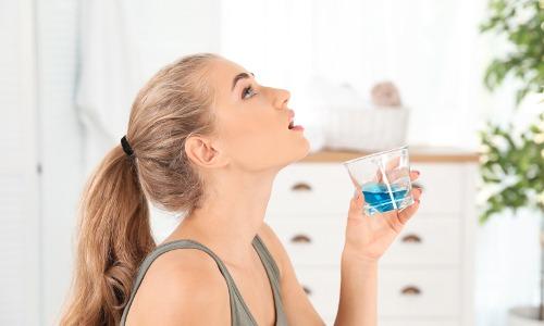 Was hilft bei Mundgeruch