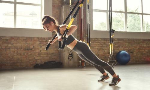 Abwechslungsreiches Functional Training mit dem Sling Trainer